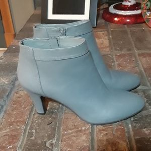 Banana Republic ankle boots booties gray